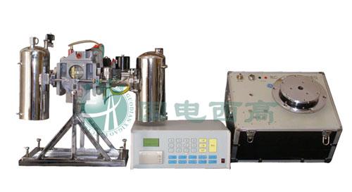 以达到检测气体继电器重瓦斯保护动作;采用精密容器